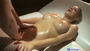asian first time squirt