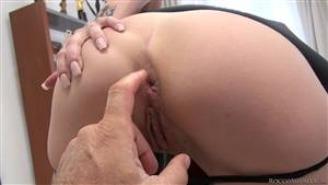 chubby amateur playing herself